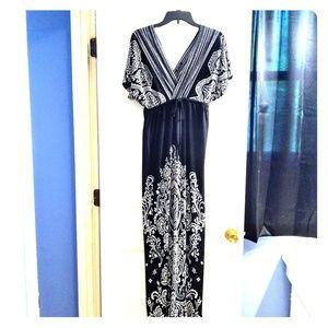 🎉3/$15 sale! Maxi dress